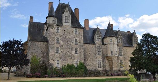 Château_de_Baugé_-_Façade_a